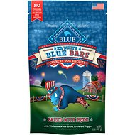 Blue Buffalo Holiday Red, White & Blue Bars with Whole Grains, Fruits & Veggies Crunchy Dog Treats, 8-oz bag