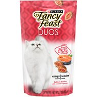 Fancy Feast Duos Salmon Flavor with Accents of Parsley Cat Treats, 2.1-oz bag