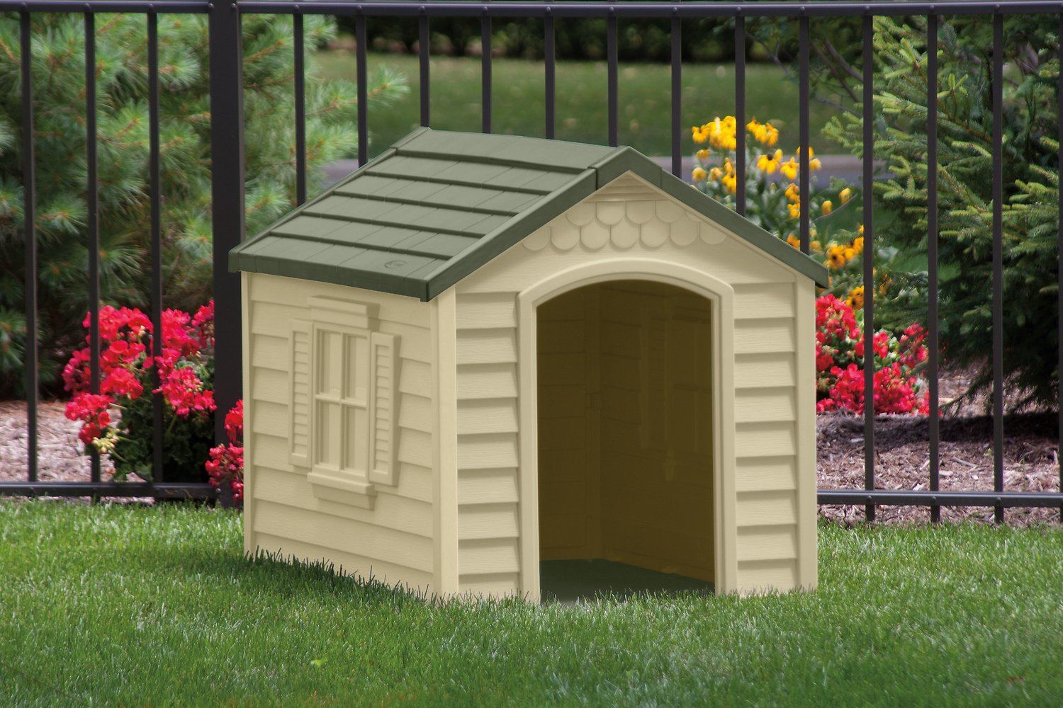 Suncast Deluxe Dog House Reviews