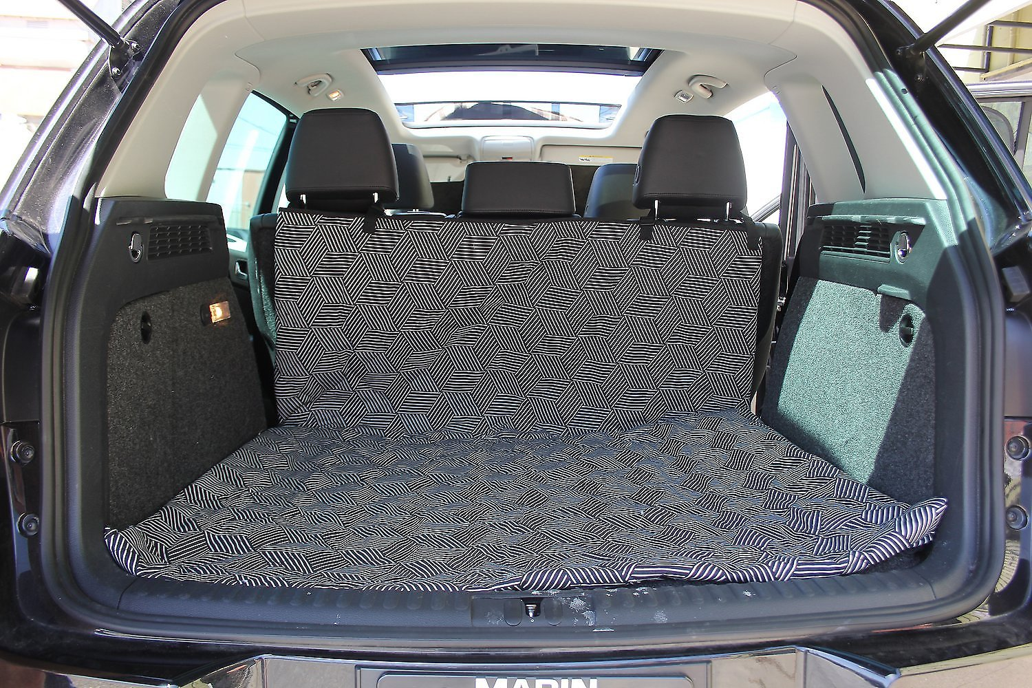 molly mutt rough gem multi use cargo hammock car seat cover. Black Bedroom Furniture Sets. Home Design Ideas