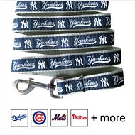 Pets First MLB Dog Leash, New York Yankees, Large