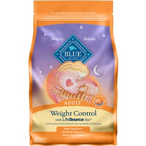 Blue Buffalo Weight Control Chicken & Brown Rice Recipe Adult Dry Cat Food, 5-lb bag