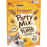 Friskies Party Mix Natural Yums With Real Chicken Cat Treats, 6-oz pouch