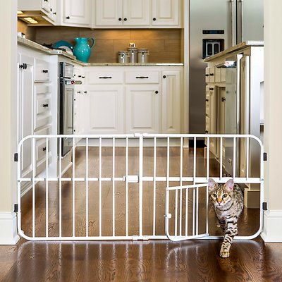 Carlson Pet Products Mini Tuffy Expandable Gate with Pet Door