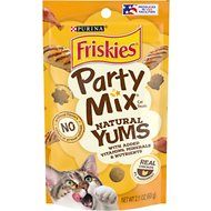 Friskies Party Mix Natural Yums With Real Chicken Cat Treats, 2.1-oz pouch